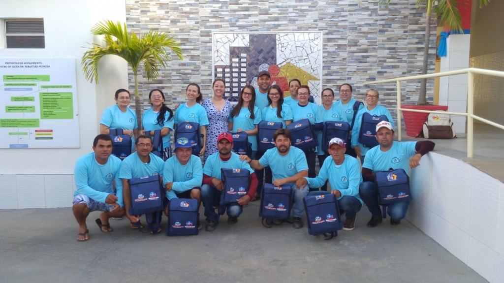Prefeitura entrega novos kits com fardamentos e mochilas aos Agentes de Saúde e de Combate a Endemias