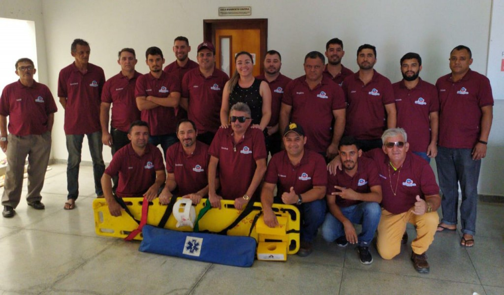 Prefeitura de Barra de São Miguel promove capacitação em curso de APH e entrega novo fardamento