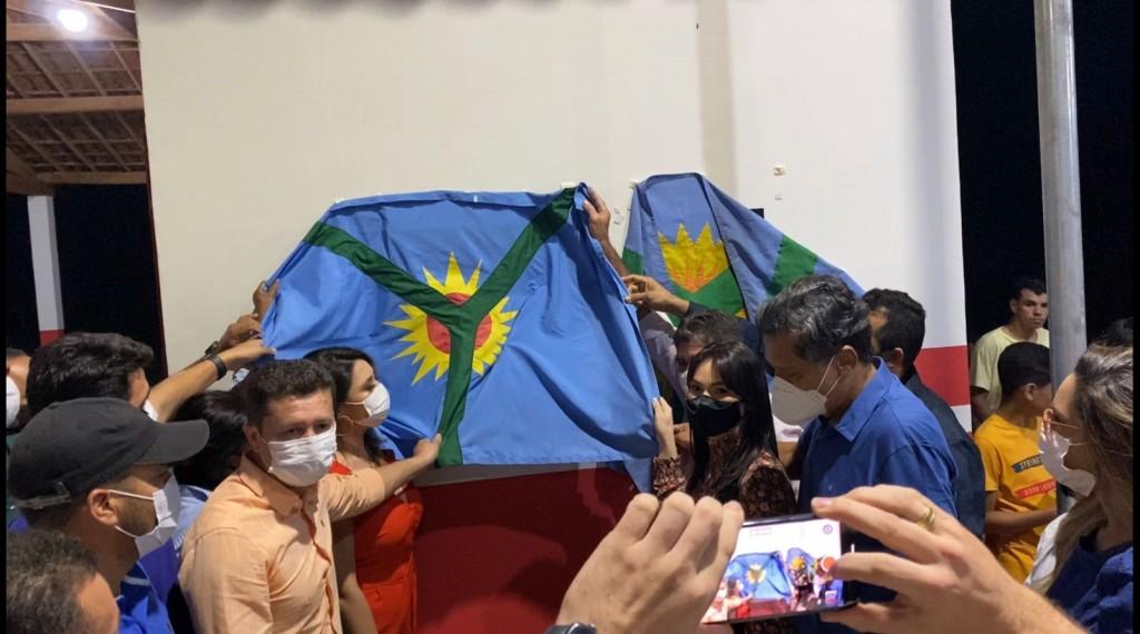 Em Barra de São Miguel, prefeito inaugura Academia da Saúde e entrega revitalização de uma quadra em Floresta